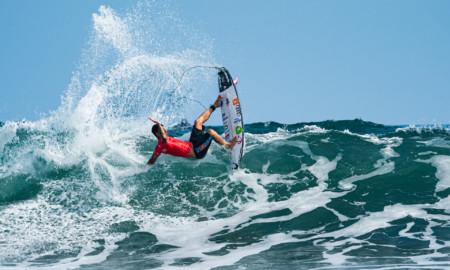 Tatiana Weston-Webb e Gabriel Medina deixam o ISA World Surfing Games 2021