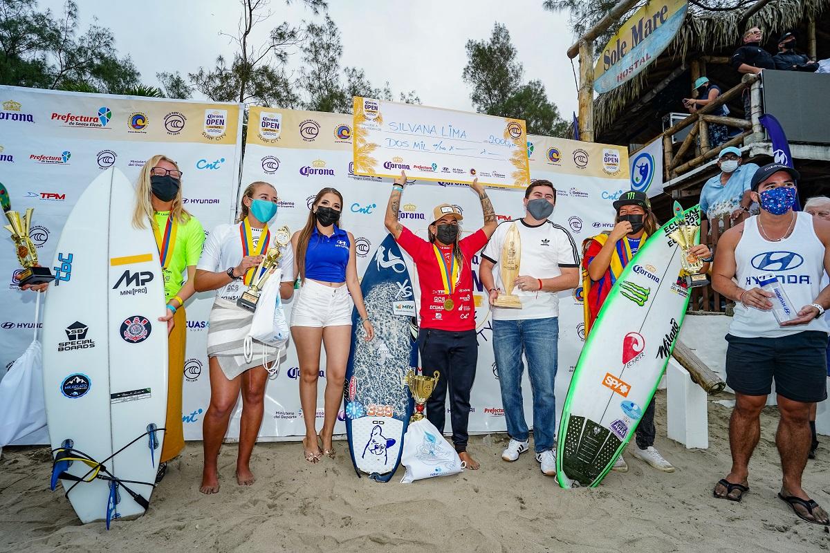 Pódio da vitória de Silvana Lima (Crédito: Enrique Rodriguez / Montañita)