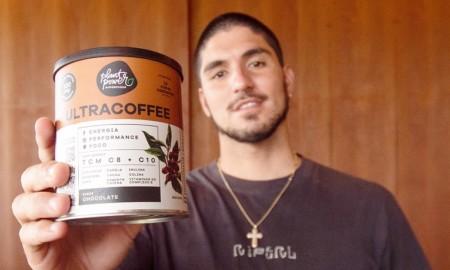 Ultracoffee entra no surfe e o Medina é o embaixador